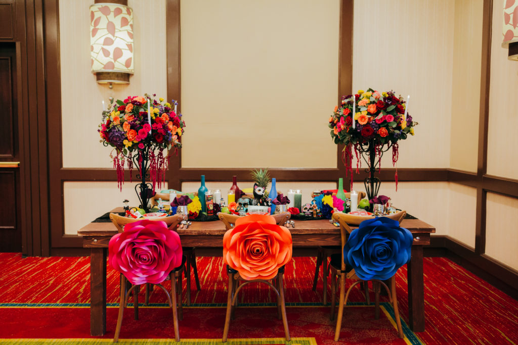Dia de los muertos wedding table, day of the dead wedding table, sugar skulls on wedding table