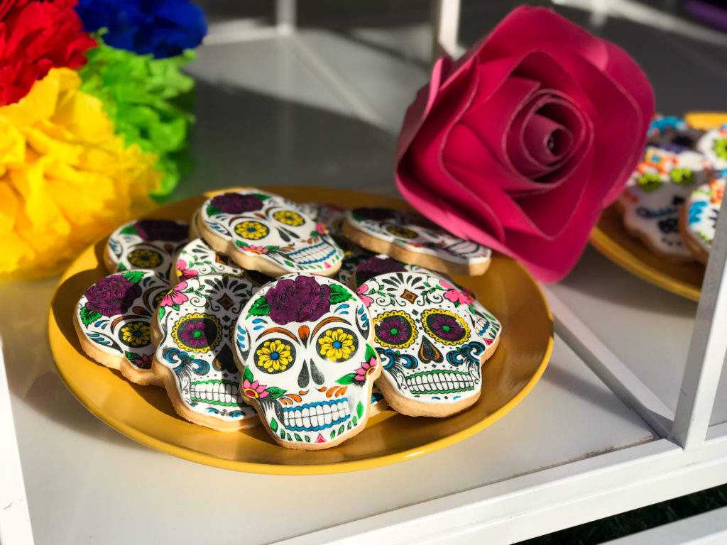 wedding dessert table, dia de los muertos cookies, sugar shull cookies